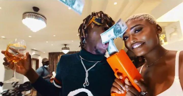Kofi Mole - Top Shella (Official Video)